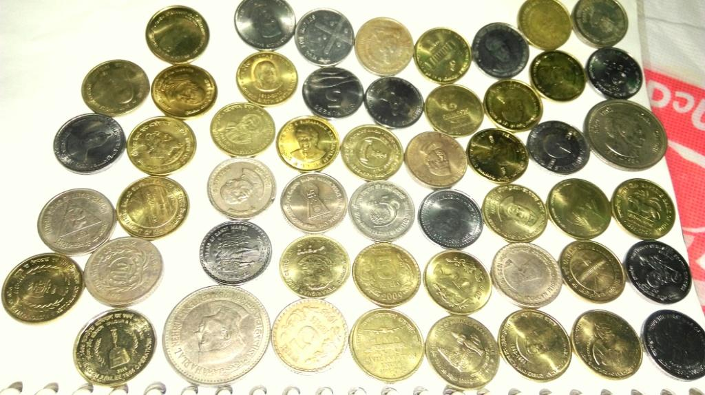collection-of-52-different-types-of-5-rupees-coin